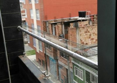 Baranda vidrio de muro a muro