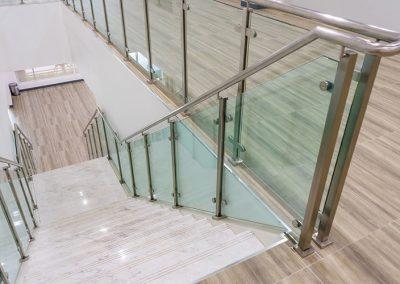Glass-Hand-Rail-Steps